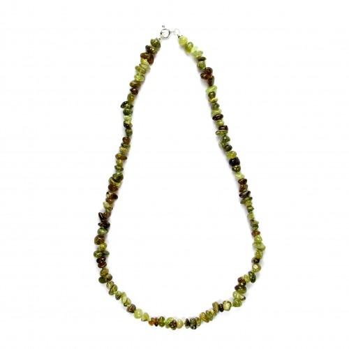 Exklusive Schmuckkette aus Granat grün, barock, 8 mm, Länge 47cm